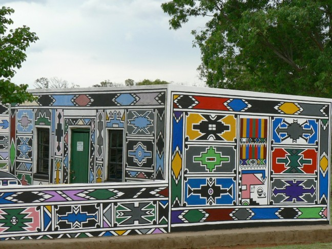 Ndebele homes in South Africa. Photo credit: commons.wikimedia.org